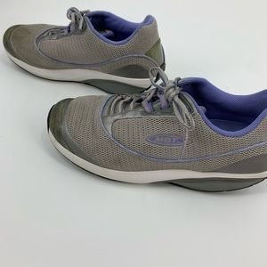 MBT Women's sneakers walking shoes toning size 7.5